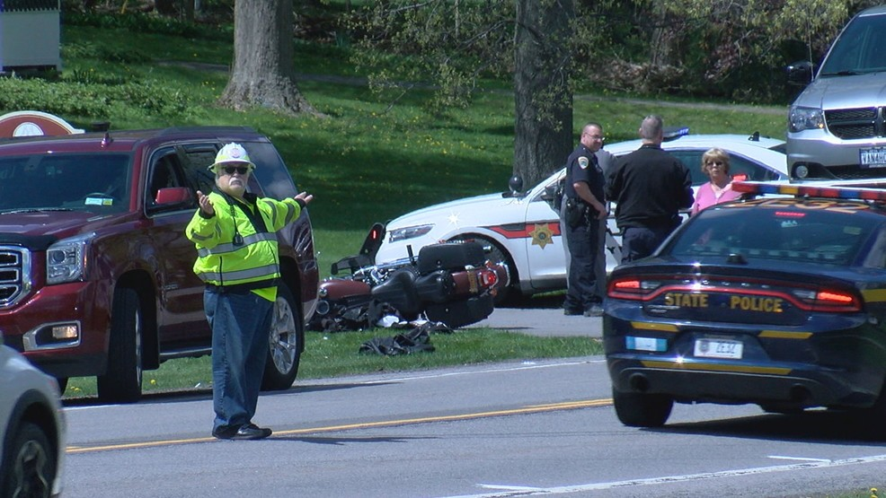 Palmyra motorcyclist airlifted, passenger transported to Strong